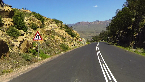 Approaching the hairpin on the Barkly Pass