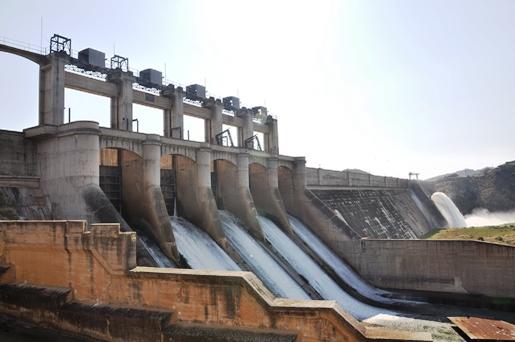 Darlington dam wall
