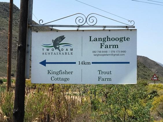 Pietersfontein signs