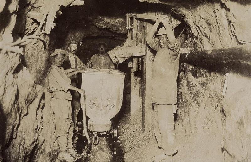 Gold miners, Johannesburg circa 1925
