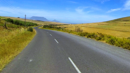 The southern descent with Table Mountain in the distance