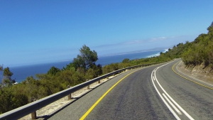 The old pass offers lovely Garden Route scenery
