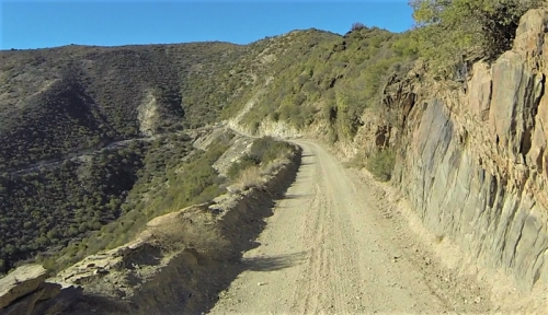 The Assegaaibosch Pass - Narrow and prone to rockfalls