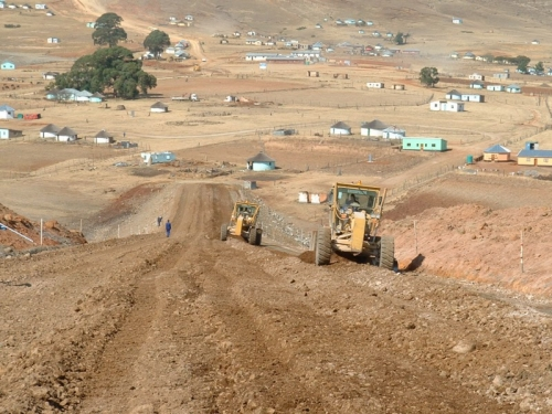 Road repairs on the remote Transkei roads
