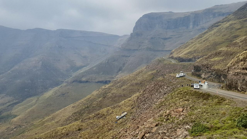 Recovery of a truck near the summit of the Mafika Lisiu Pass