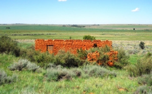 Abandoned farm building near the pass