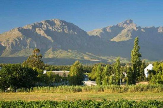 Typical mountain scenery in the Tulbagh Valley